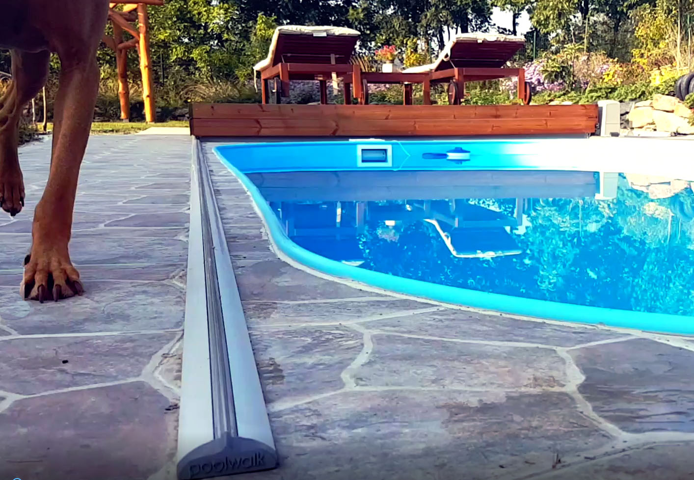 Video poolwalk pool cover Slovakia Pezinok